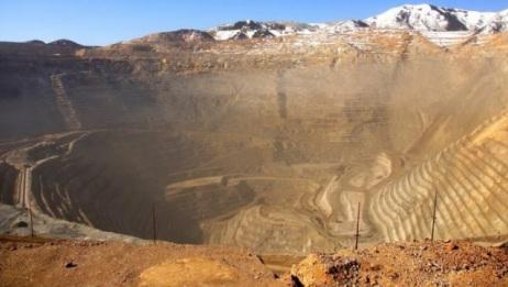 美国挖了个全球最大的坑:在太空清晰可见,已挖出50亿吨矿石