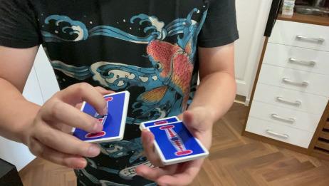 教一个简单的切牌动作,即适用于魔术,又可当花切。