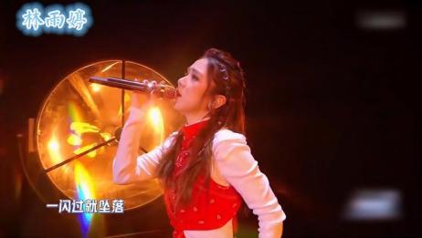 邓紫棋疯狂演唱2021年第一首歌,现场无比震撼,观众尖叫不断!