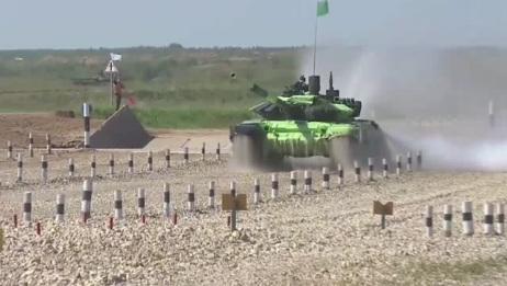 实拍俄罗斯陆军装甲部队作战训练
