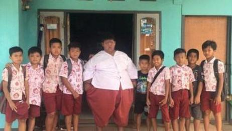惊讶! 仅10岁体重已达384斤, 世界上最肥胖的孩子非他莫属