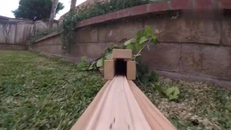 风火轮小跑车:一个超大型玩具赛道,第一视角带你感受过山车
