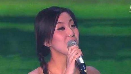 30岁全职妈妈嗓音太好了,央视舞台演唱韩红成名曲,堪比原唱!