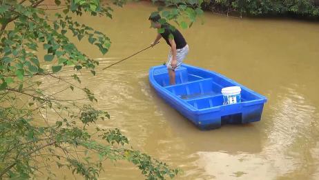 鱼塘放了3个月的地笼,捞起来里面竟然收获了它!网友:赚大了!