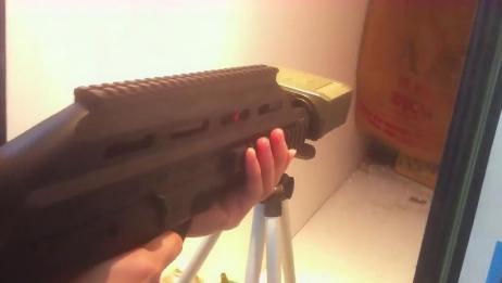 电动版UAR501突击步枪,BB弹供弹射击测试,这射速你喜欢吗?