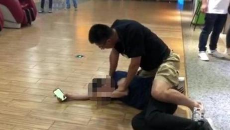 大快人心!男子酒后猥亵殴打女学生,交警一个抱摔当场将其制服!
