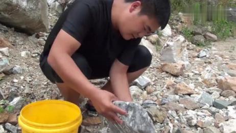 太行山特色雪浪石,发现一块与众不同的,这样的石头你们见过吗