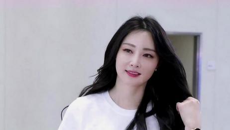 韩国美女车模,清纯唯美白皙的小姐姐,回眸一笑百媚生!