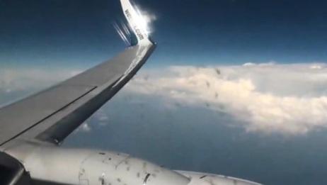 客机高空遇到强对流天气,飞机机翼韧性真的好,但是我好怕啊!