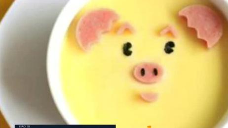 要怎么做,鸡蛋羹才能细腻光滑无孔又好吃?要注意水和时间!