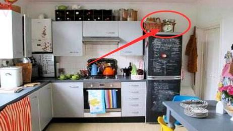 不管家里空间有多小,冰箱上牢记不能放这几样东西,提醒家人