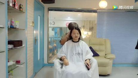 发型师说 额头宽脸短不适合刘海 给了专业的建议 客人气质飙升