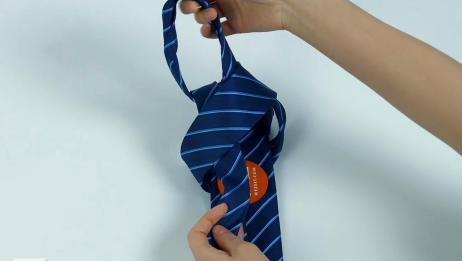 领带打法:3秒钟领带速系法,3招拯救手残的他,快进来学一下吧