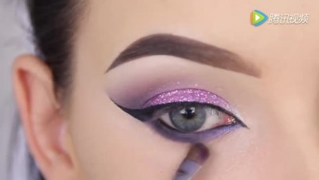 紫色眼影化妆教程,眼妆学起来