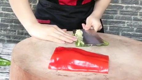 不愧是五星级配菜师,切辣椒的手法,米其林大厨都惊艳到了!