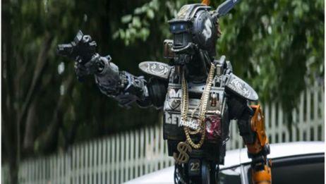 机器人有独立意识后,竟带大金项链装起社会大哥!网友:太搞笑