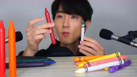 蜡笔不是画画的吗?为何小伙子嚼得这么爽,你吃过没