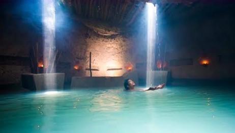 荒野建造:牛人小哥用古代的技巧建造秘密地下泳池和别墅,太牛了