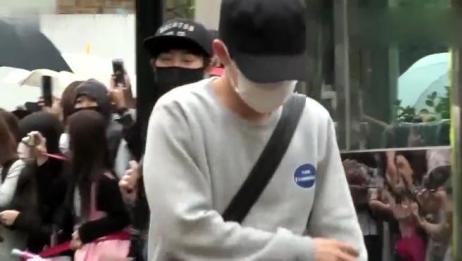 星快报20160314韩团EXO世勋出演中韩电影《我爱喵星人》