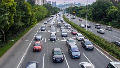 刚拿到驾照的新手不敢上高速?老司机带你了解高速安全驾驶技巧!