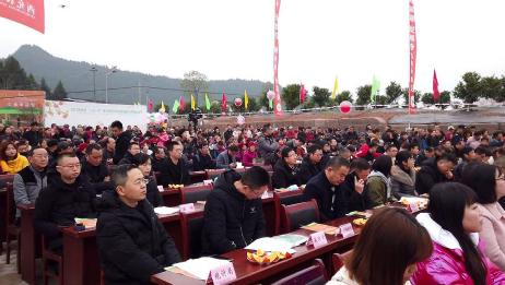 四川南充:农村家乡的盛会,现场热闹非凡,还有好多特产亮相