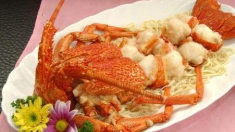 大吃货爱美食:多才大叔教你豪华的龙虾伊面