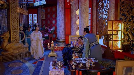 武媚娘以为吴王想刺杀陛下,不料赶到现场看见这一幕,如释重负!