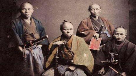 """日本武士为何要穿""""世上最丑""""披风?西方学者:他们就像一种动物"""