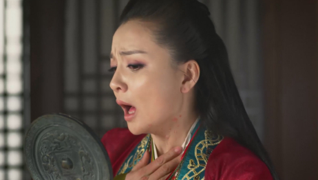 芈月传:皇后送来的华贵衣服,令妃子直接毁容!套路简直太深了