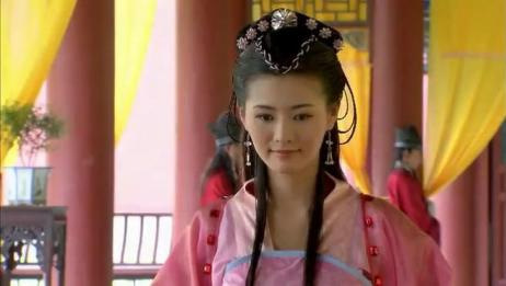 皇上选妃一个都看不上,唯独对平民女子一见钟情,当场封为皇后!