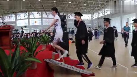 武汉体育学院体育科技学院107秒快闪版