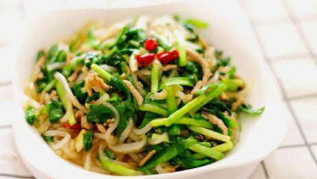 韭菜炒粉条,简单常见的家常菜,爽滑劲道,好吃又下饭!