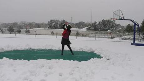 郎溪十字红叶广场舞 我的家乡下雪了 表演 个人版