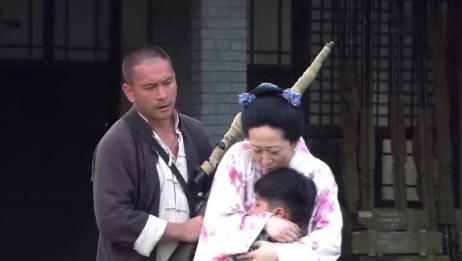 神枪:张响挟持川崎的夫人,但令川崎没有想到,张响竟手下留情了