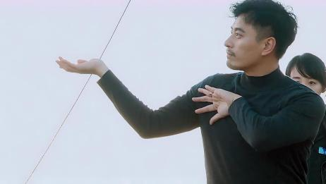 """陈龙教学打太极,王珂使出""""龟派气功""""引刘涛笑不停"""