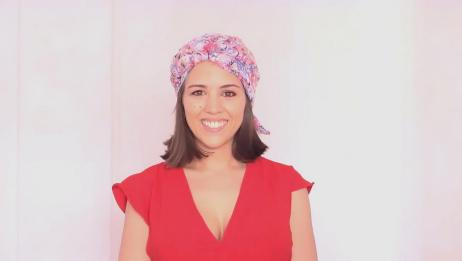 小姐姐教你初春丝巾这样系,时尚百搭,体验不一样的丝巾系法!