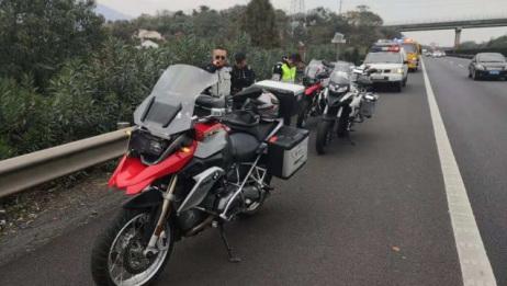 六辆摩托车穿行高速 ,不顾他人生命飙车,险象环生!监控还原过程!