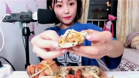 声控吃播:没想到小姐姐吃螃蟹都是带壳吃,这牙口太好了吧!