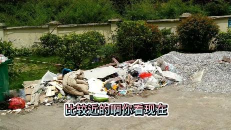 小区垃圾池被人私自填埋物业不管,老鼠苍蝇到处是,业主们很无奈