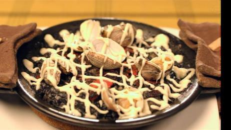 《孤独的美食家》墨鱼汁海鲜饭