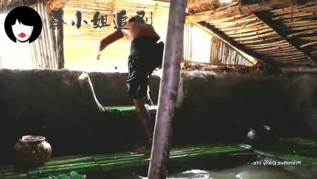野人小哥野外建造,挖掘建造地下房子游泳池,和建造房子游泳池