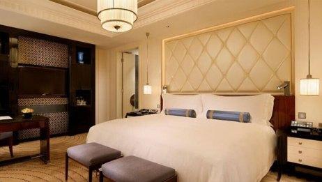 五星级酒店不换床单,幸亏我住不起