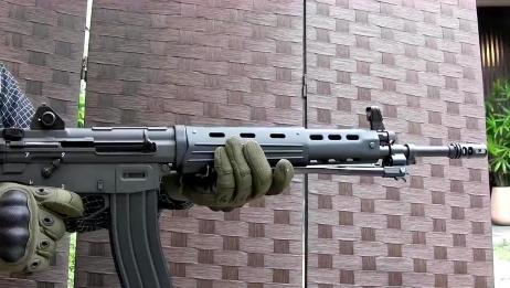 日本玩具版89式突击步枪,BB弹供弹射击实测