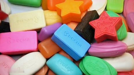 拆几块香皂包装,听声音异常满足,解压又助眠