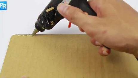 手工大神教你如何用纸板制作超级酷的笔记本电脑