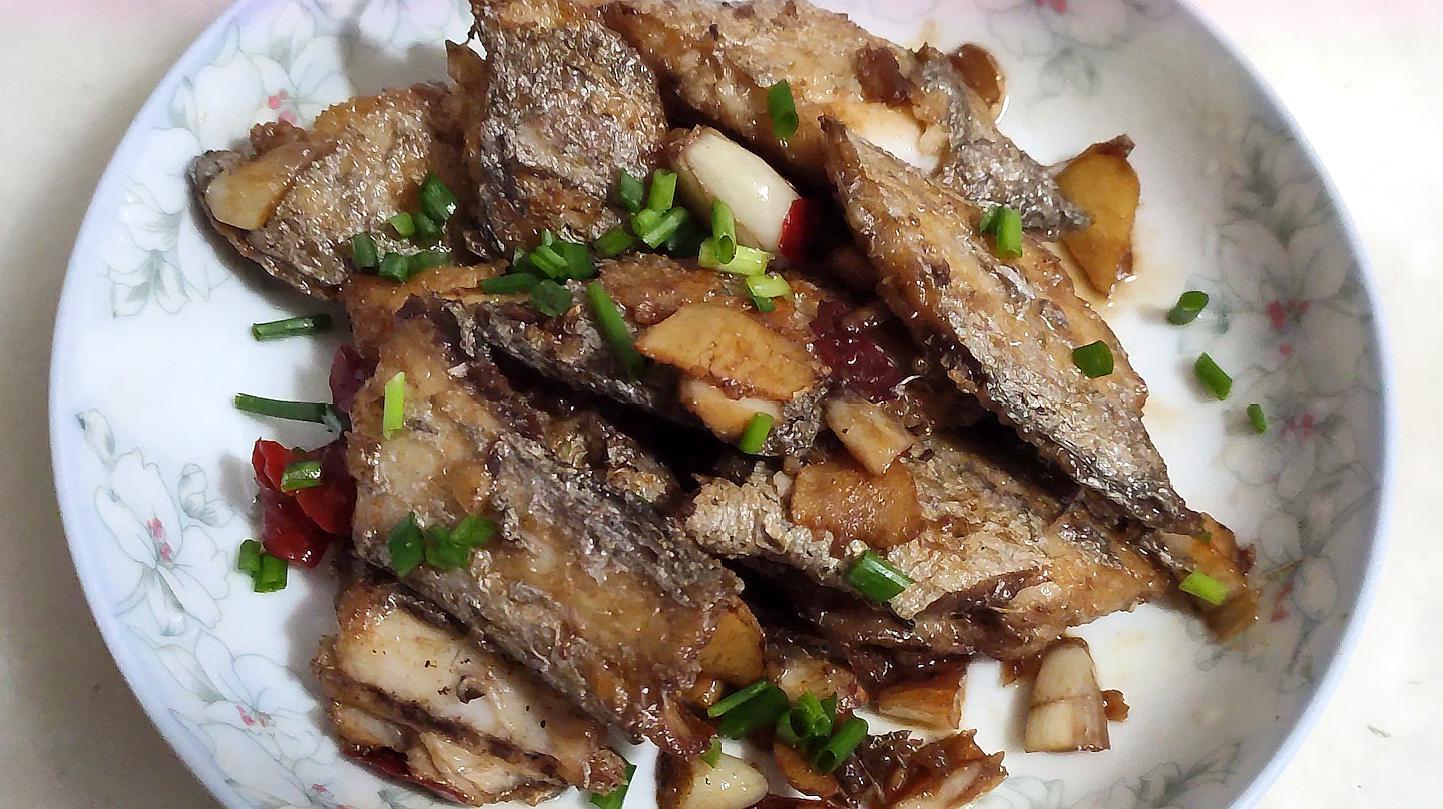 带鱼怎么做_带鱼搭配什么菜好吃  第1张