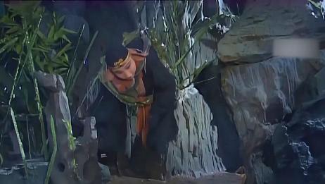 西游记:八戒这嘴真够碎的,被绑了还不老实,对妖怪一顿瞎咋呼!