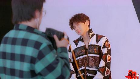 王源拍摄宣传照,疲惫的表情好令人心疼,刚哥太辛苦了!