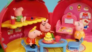 北美玩具小猪佩奇: 小猪佩奇凯蒂猫草莓屋房子玩具
