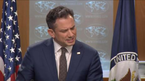 """记者戳穿美""""双标""""嘴脸 美国务院发言人尴尬了:你说啥我听不懂"""